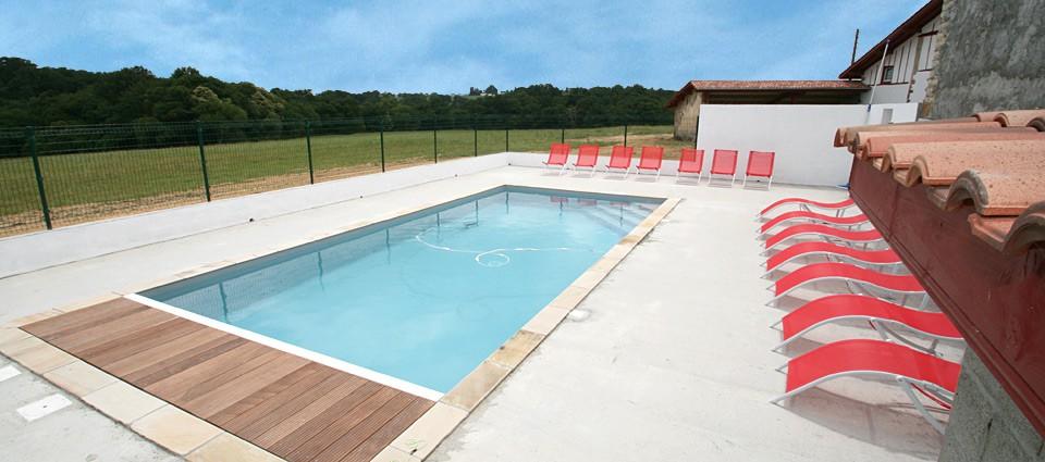 G te rural ithurrondoa avec piscine masparraute pr s de for Construction piscine saint jean pied de port